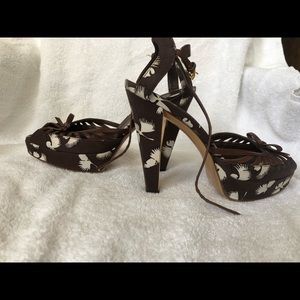 Gucci Open toed pumps